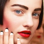 http://www.explosivefashion.in/backstage-at-fashion-week/bob-carved-cheeks-bold-lip-at-chanel-couture.html